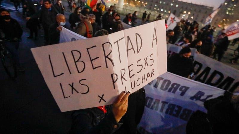 """Cruce de datos de Fiscalía y Gendarmería revela que son 53 los denominados """"presos de la revuelta"""""""