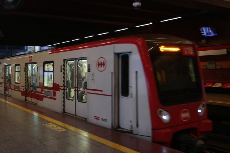 Metro extiende su horario y volverá a operar hasta las 23 horas con el cambio de toque de queda