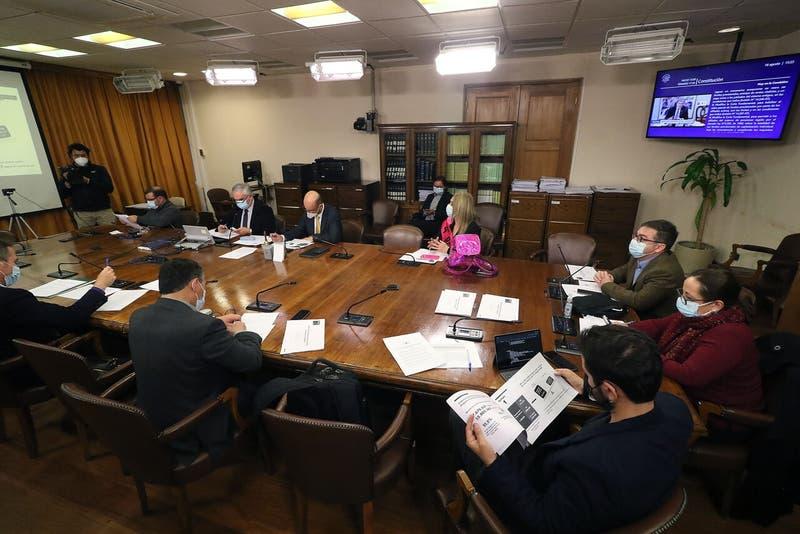 Cuarto retiro desde las AFP enfrentará un complejo escenario en Sala de la Cámara