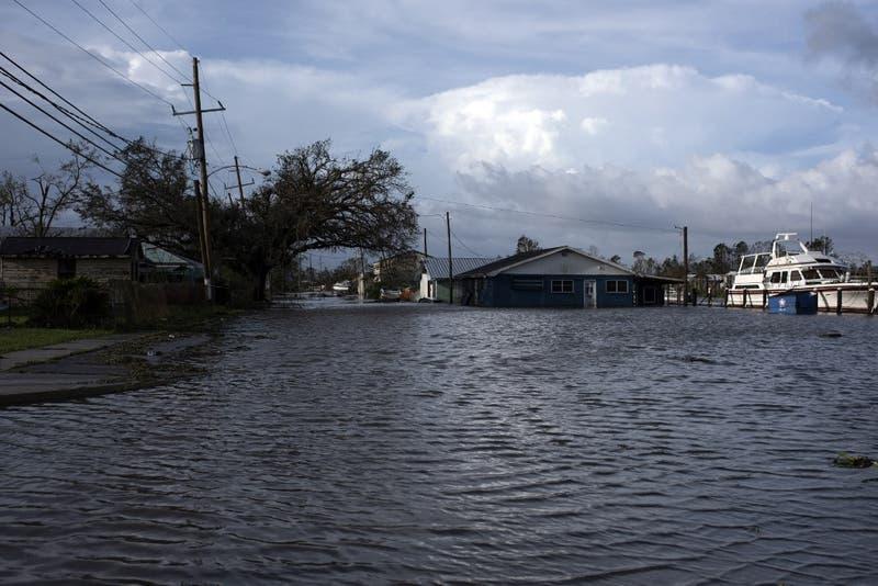 """EEUU: Huracán Ida deja un daño """"catastrófico"""" en Luisiana"""
