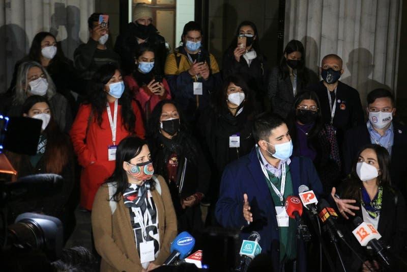 """Masiva salida de la Lista del Pueblo: 17 convencionales forman """"Pueblo Constituyente"""""""