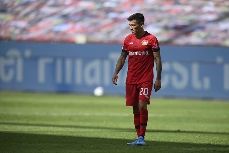 """""""Es molesto y desagradable"""": La queja del DT del Leverkusen por ceder a Charles Aránguiz a La Roja"""