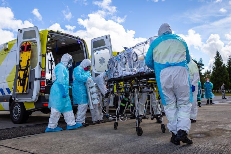 """OMS advierte sobre """"escape inmunitario"""" que podría producir variante identificada en Colombia"""