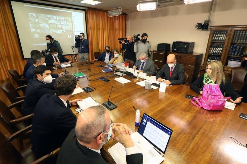 Comisión de Constitución aprueba en general cuarto retiro de fondos de AFP