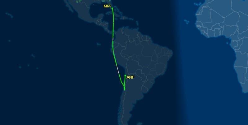 Vuelo Miami-Santiago tuvo que aterrizar en el norte de Chile