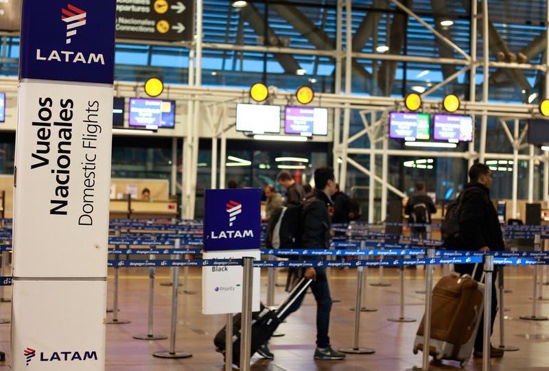 Latam devolverá tasas de embarque por más de $4 mil millones a consumidores por vuelos no realizados