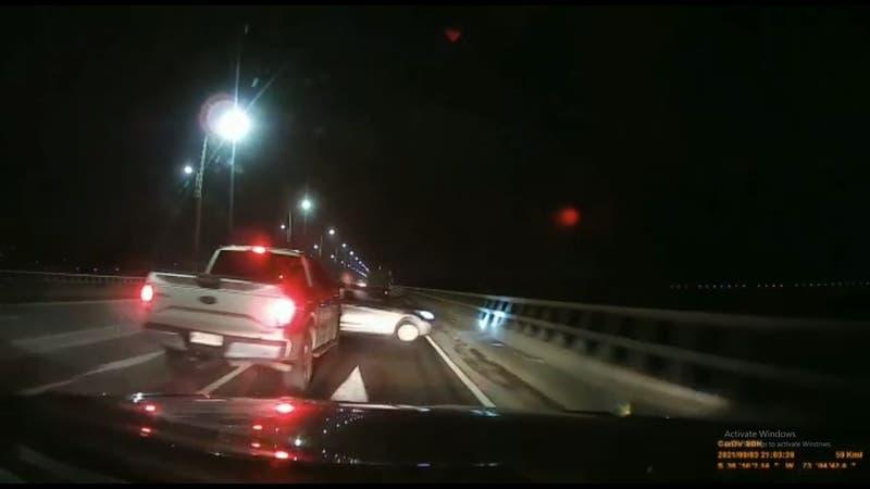 [VIDEO] El momento en que el concejal choca a un auto ebrio