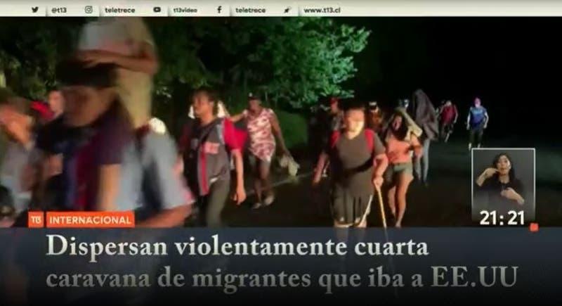 [VIDEO] Dispersan violentamente cuarta caravana de migrantes que iba a EEUU