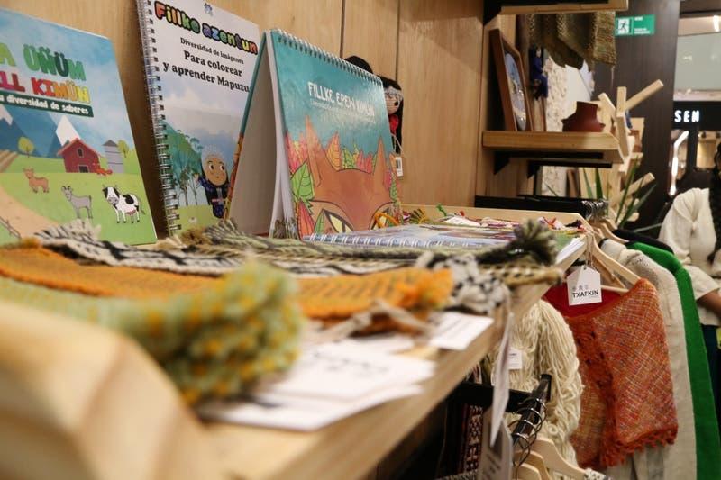 Trafkin: Inauguran tienda de intercambio de bienes mapuche en Santiago
