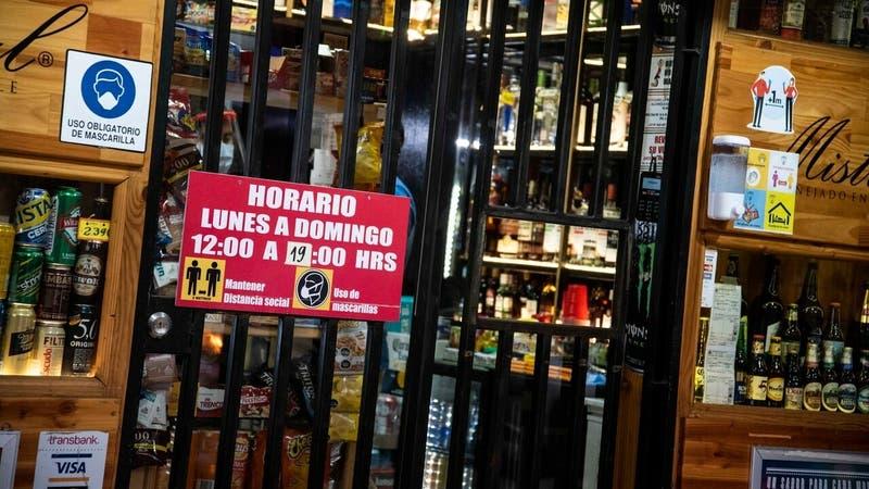 Gremio de botillerías acusa agresiones de clientes por solicitar mostrar carnet al comprar alcohol