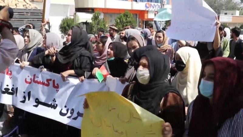 Afganas desafían a talibanes con numerosas protestas