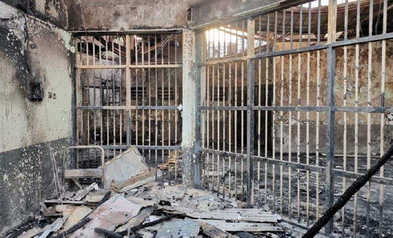 Incendio en prisión de Indonesia deja al menos 41 muertos