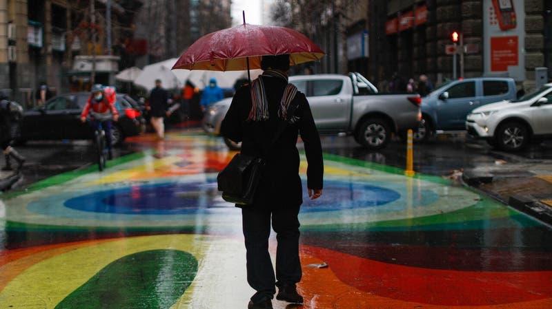 Lluvias en el fin de semana: ¿Cuándo comienza y cuánto caería en la Región Metropolitana?