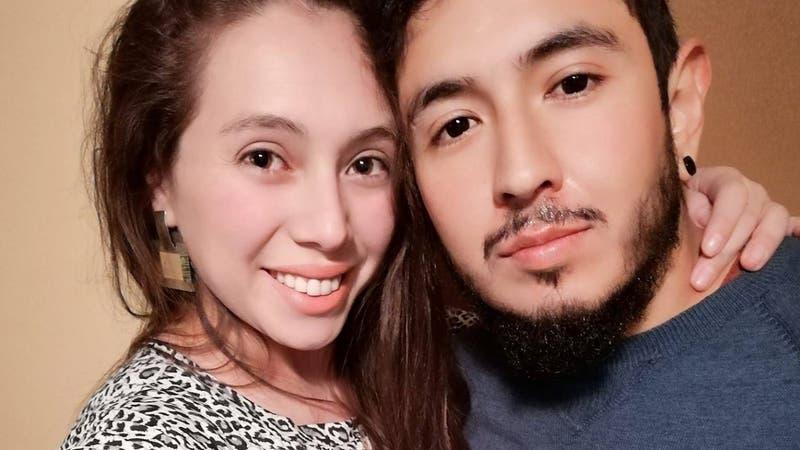 Joven de San Felipe rifa su moto para costear cáncer de su esposa