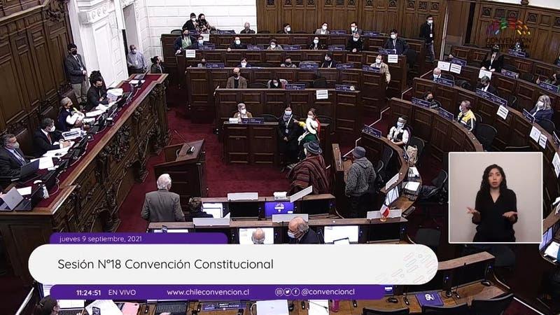 """""""Esta no es la forma"""": El tenso intercambio entre constituyentes y la mesa de la Convención"""