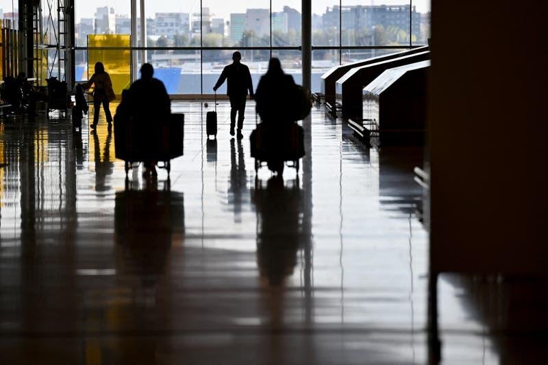 Aerolínea brasileña deberá pagar maquillaje y depilación a sus azafatas