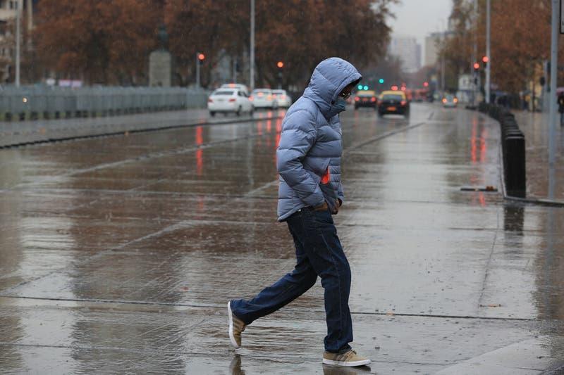 Decretan alerta temprana preventiva en Valparaíso Santiago y Rancagua por lluvias este fin de semana
