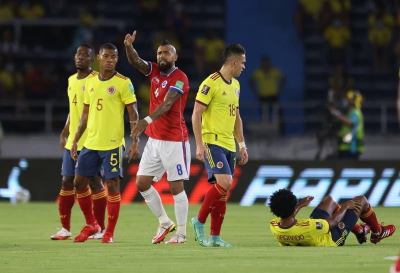 El primer tiempo terrible de La Roja en cifras: Sólo dos intentos al arco ante Colombia