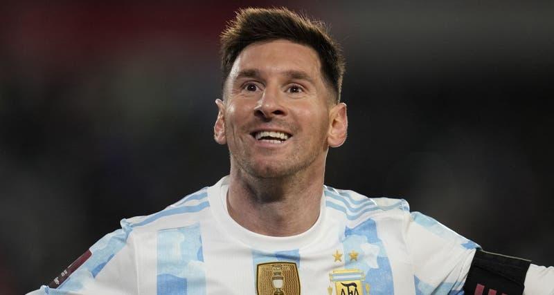 Noche mágica de Messi y goleada de Argentina ante Bolivia
