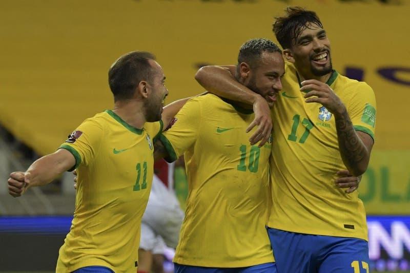 Brasil vence a Perú de la mano de Neymar y alarga su récord en las Clasificatorias