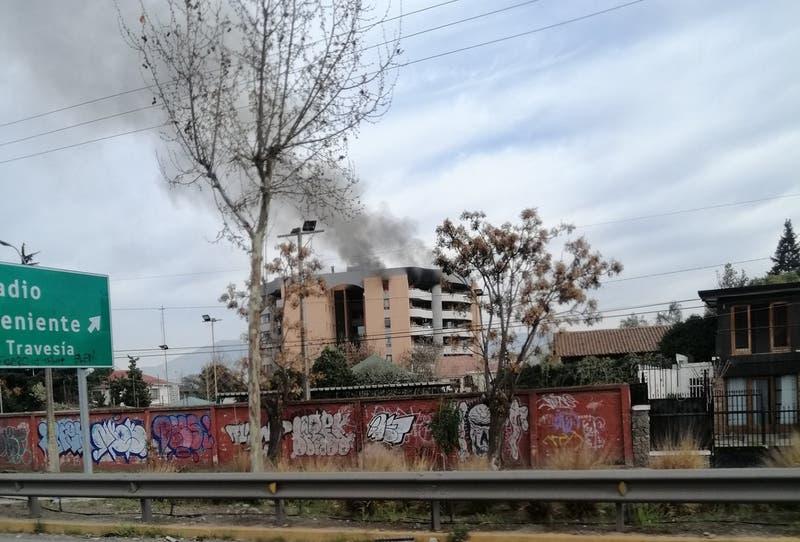 Un persona fallecida deja incendio que afecta a un edificio en Rancagua