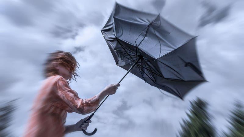 Emiten alerta por vientos para cinco regiones del país: Coinciden con la llegada de las lluvias