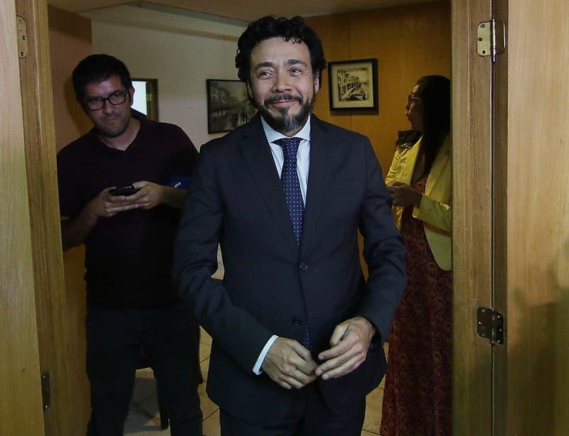 Tribunal de Rancagua absuelve al suspendido fiscal Emiliano Arias de los cargos en su contra