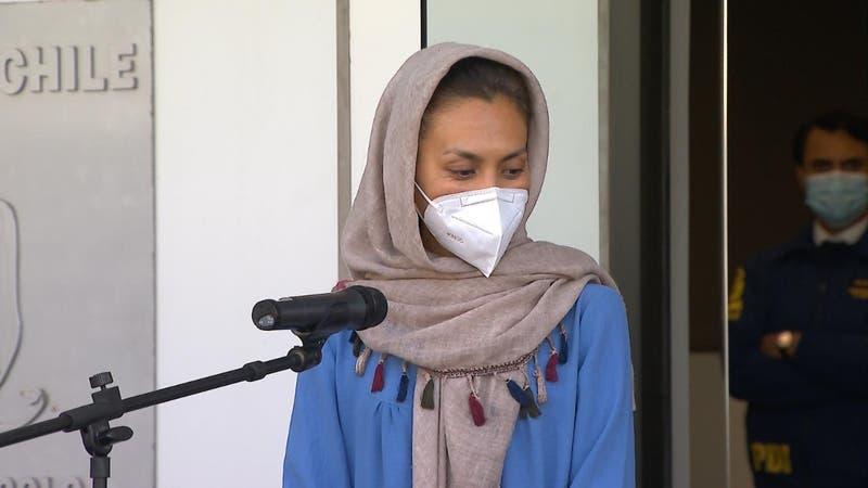 Zainab es la primera refugiada afgana en llegar a Chile