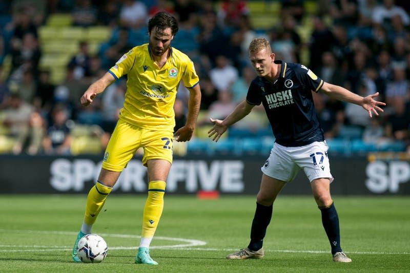 """Con """"burla"""" a los hinchas chilenos, Blackburn Rovers anuncia titularidad de Ben Brereton"""