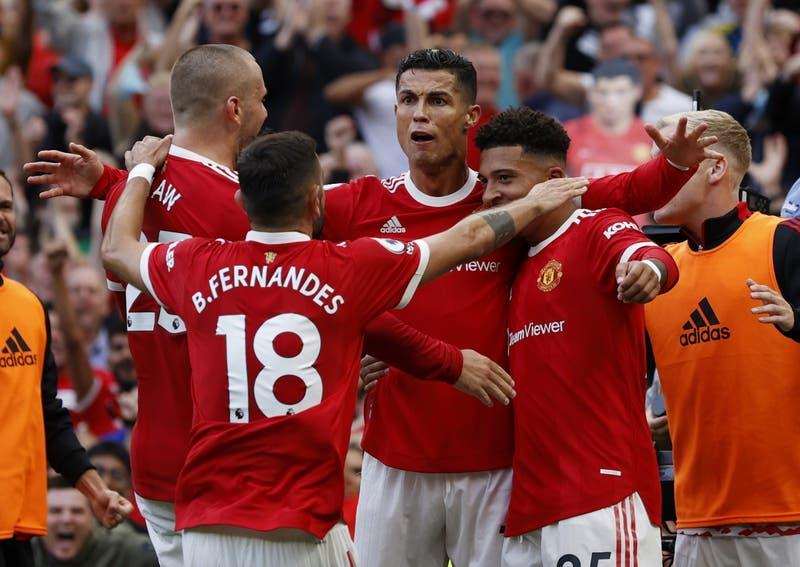 Genio y figura: Cristiano Ronaldo marcó un doblete en su regreso al Manchester United