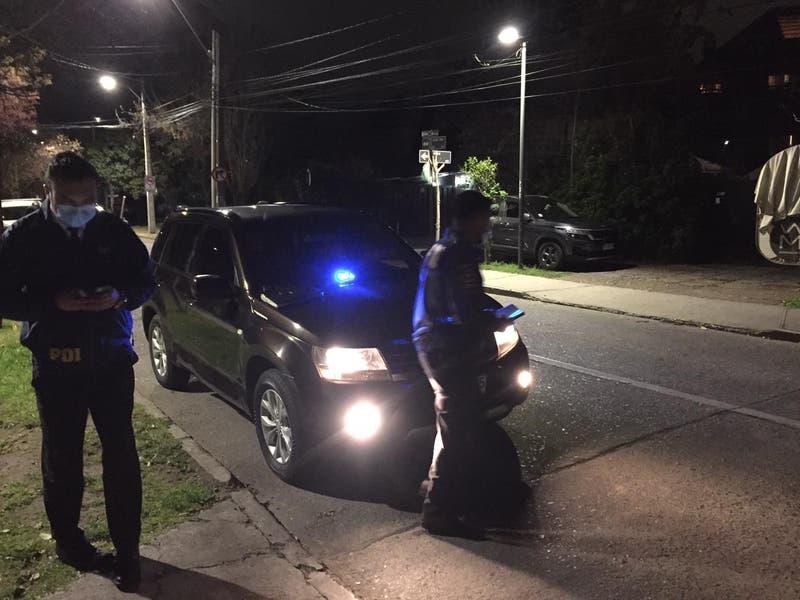 Portonazo frustrado: Cuatro hombres golpean a mujer de 73 años y huyen ante alerta de vecinos