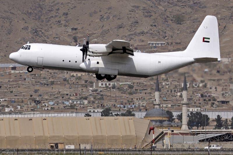 Aterriza en Kabul el primer vuelo comercial internacional desde vuelta de talibanes al poder