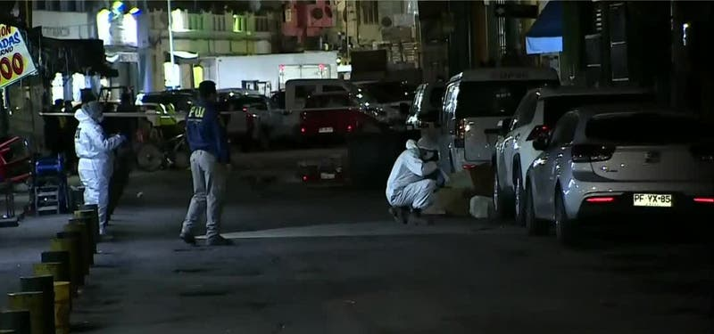 Investigan muerte de hombre adulto en cercanías de La Vega Central, en Recoleta
