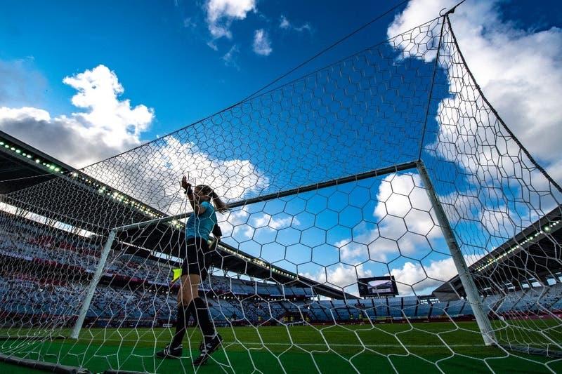 Jugador manda a lavar platos a árbitra en partido de fútbol y recibe un castigo ejemplar