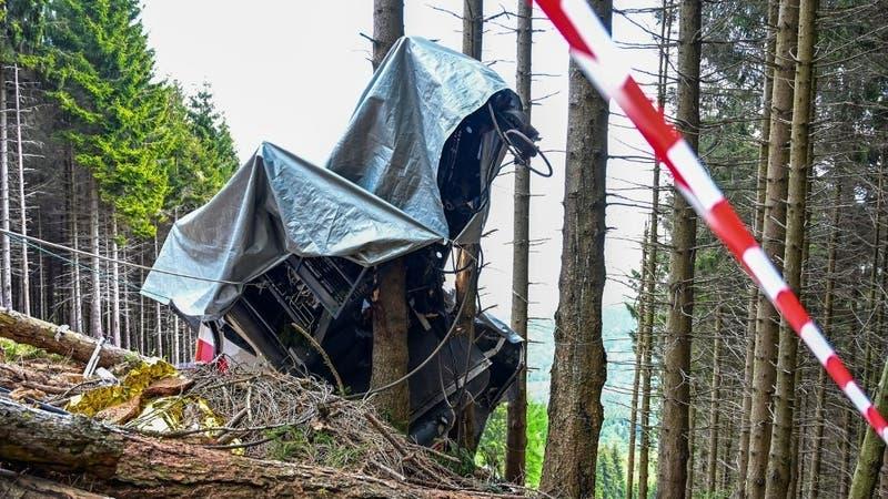 """Denuncian """"secuestro"""" del único sobreviviente del accidente de teleférico en Italia"""