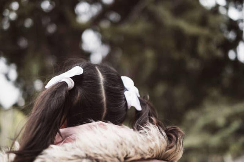 Padre chileno pide ayuda para buscar a su hija de 6 años desaparecida en Barcelona