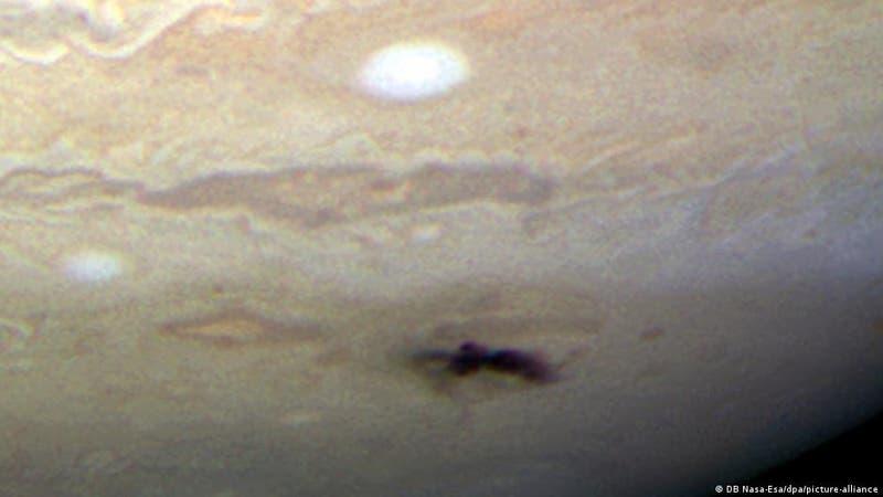 Astrónomo aficionado capta el momento en que misterioso objeto choca contra Júpiter
