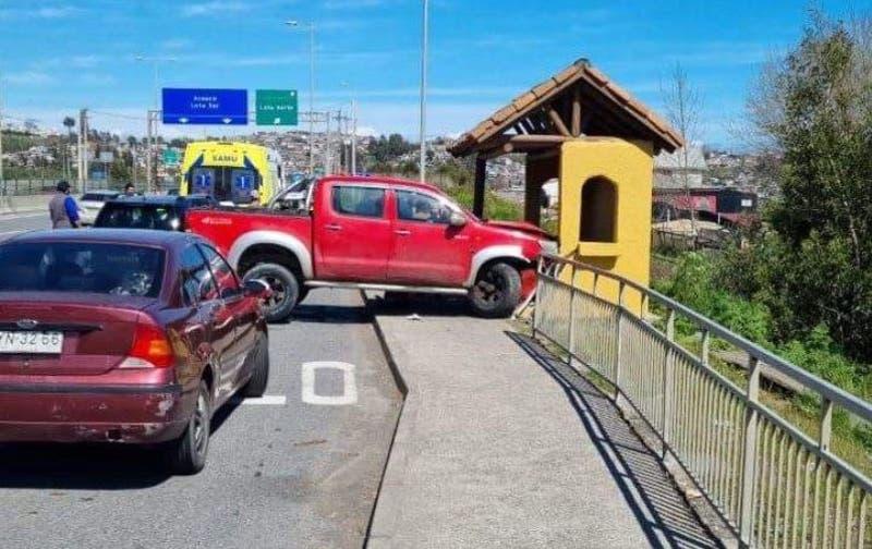 Mujer murió atropellada en paradero: Uno de los vehículos involucrados era conducido por su hijo