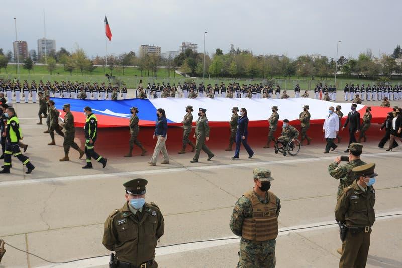 [VIDEO] Parada militar: Desfile con homenaje a fallecidos y protocolo sanitario