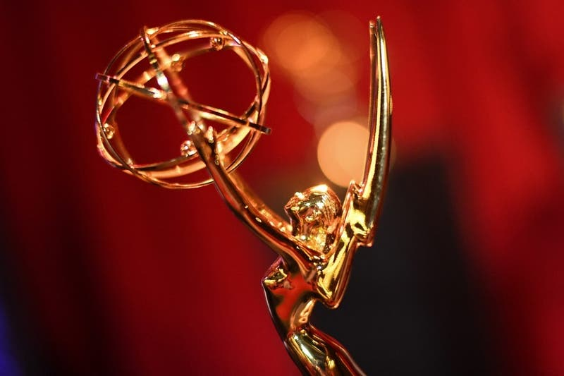 """Con """"The Crown"""" y """"Ted Lasso"""": El listado con los principales ganadores de los premios Emmy 2021"""