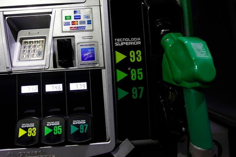 Diputados rechazan rebajar un 50% el impuesto específico a los combustibles
