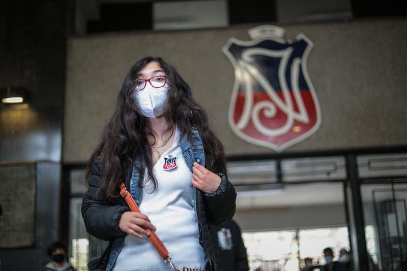 Rector del Instituto Nacional llama a dejar de llamar terroristas a sus estudiantes