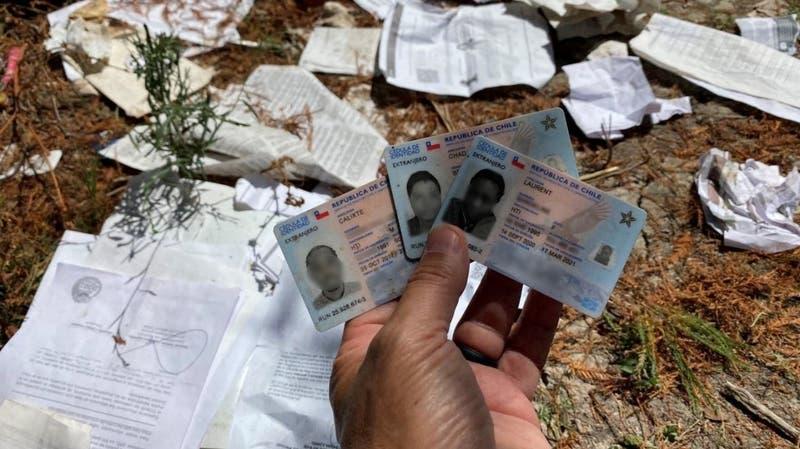 Crisis migratoria: Descubren carnés de identidad chilenos en EEUU