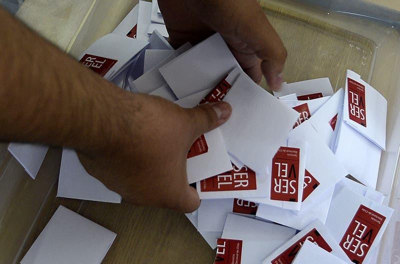 Servel dice que no podrá aplicar cercanía al local de votación por atraso en publicación de la ley