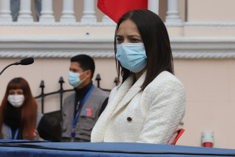 Constituyente Tiare Aguilera es detenida en contexto de Violencia Intrafamiliar