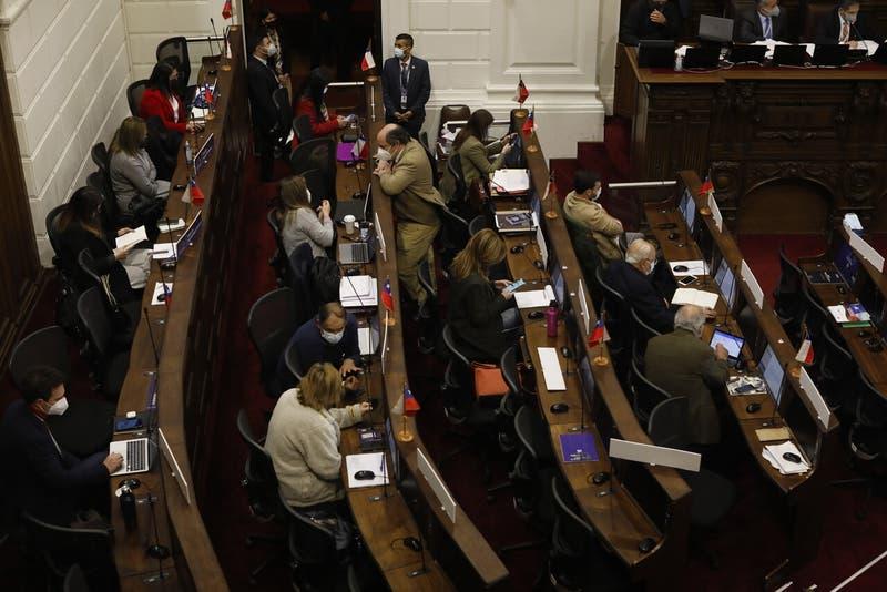 Convención Constitucional retoma votación del Reglamenteo General tras casos de COVID-19
