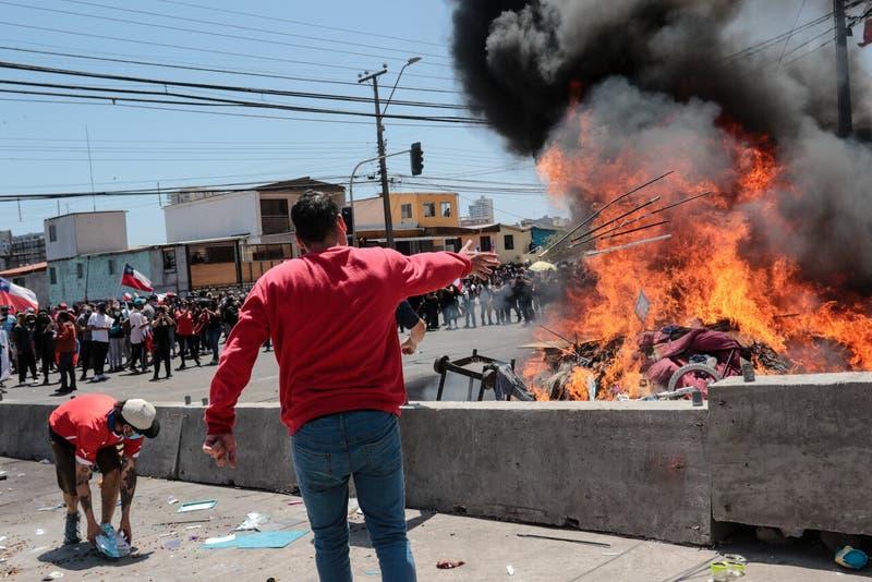 """Nicolás Maduro activa """"Plan Vuelta a la Patria"""" tras agresiones a migrantes en Iquique"""