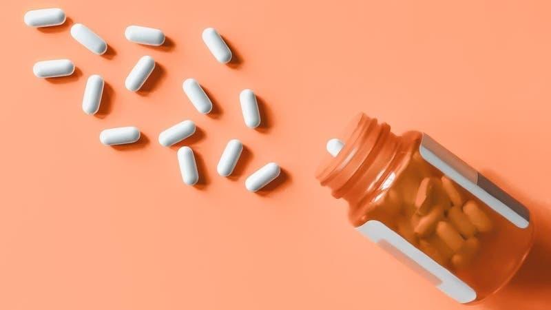 Podrían ser letales: Estados Unidos emite alerta sobre medicamentos falsos comprados en internet