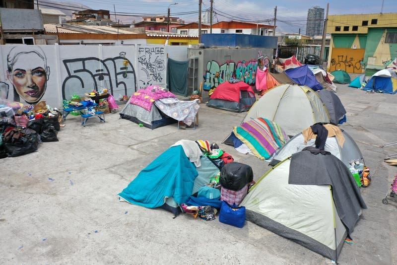 Habilitarán albergues en octubre para recibir a migrantes en Iquique y Colchane
