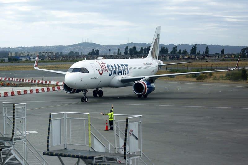 Avión de Jetsmart debe aterrizar de emergencia en Iquique por falla de motor